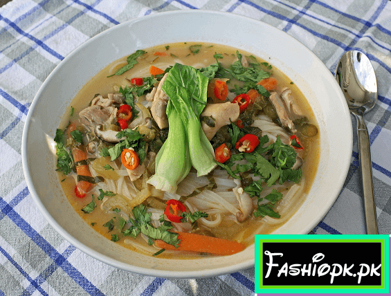 Thai Chicken Coconut Soup (Tom KhaGai) Recipe easy list healthy food recipes to eat Easy List Healthy Food Recipes To Eat assavadsvadvad