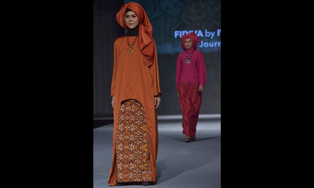 he style show was together attempted to mix neighborhood and remote society  indonesia islamic fashion festival Indonesia Islamic Fashion Festival 5746901facf94