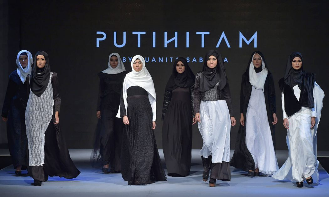 Outfits dull hues Celebration got more likes indonesia islamic fashion festival Indonesia Islamic Fashion Festival 574690234228d