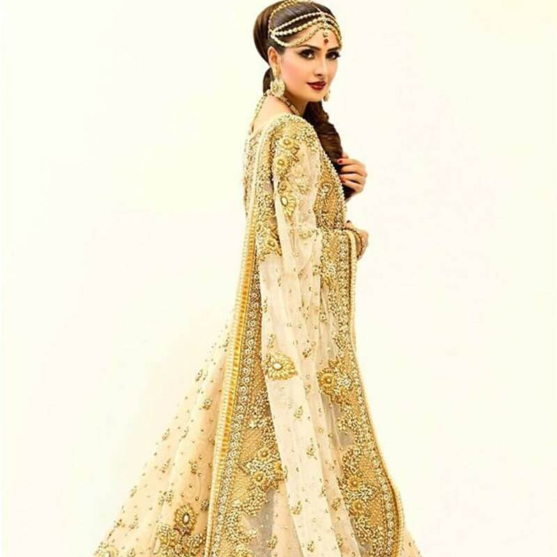 [object object] Events on Fashion Weeks Cost us the Support of our Veterans Ayeza Khan in a Rizwan Bayg bridal