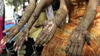 India Nine hundred Girls took me to the Henna